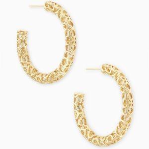 Maggie Small Hoop Earrings In Gold Filigree